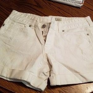 Aeropostale white light distressed shorts